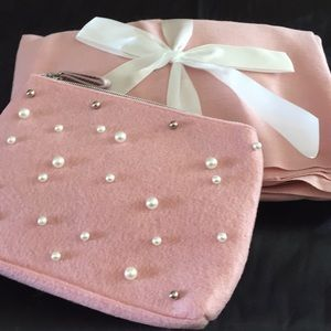 Scarf & cosmetic bag set